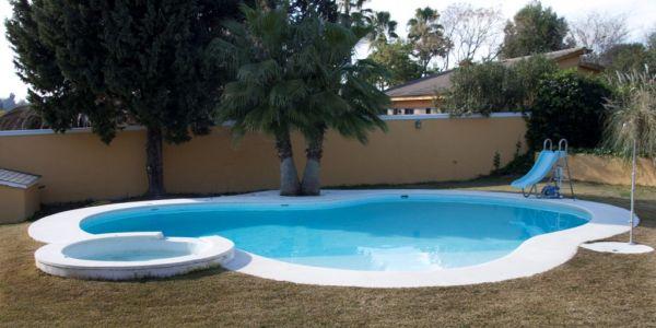 Nuestras piscinas construcci n de piscinas acuaeuropa for Constructores de piscinas