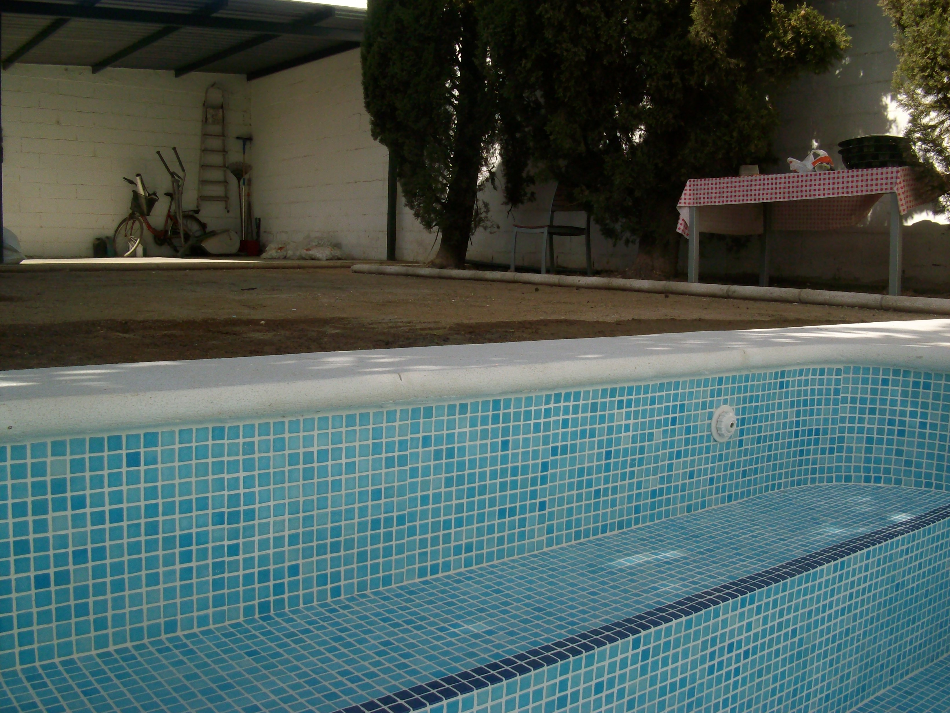 Benq digital camera construcci n de piscinas - Barrefondos para piscinas ...