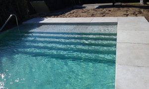 escalones piscina