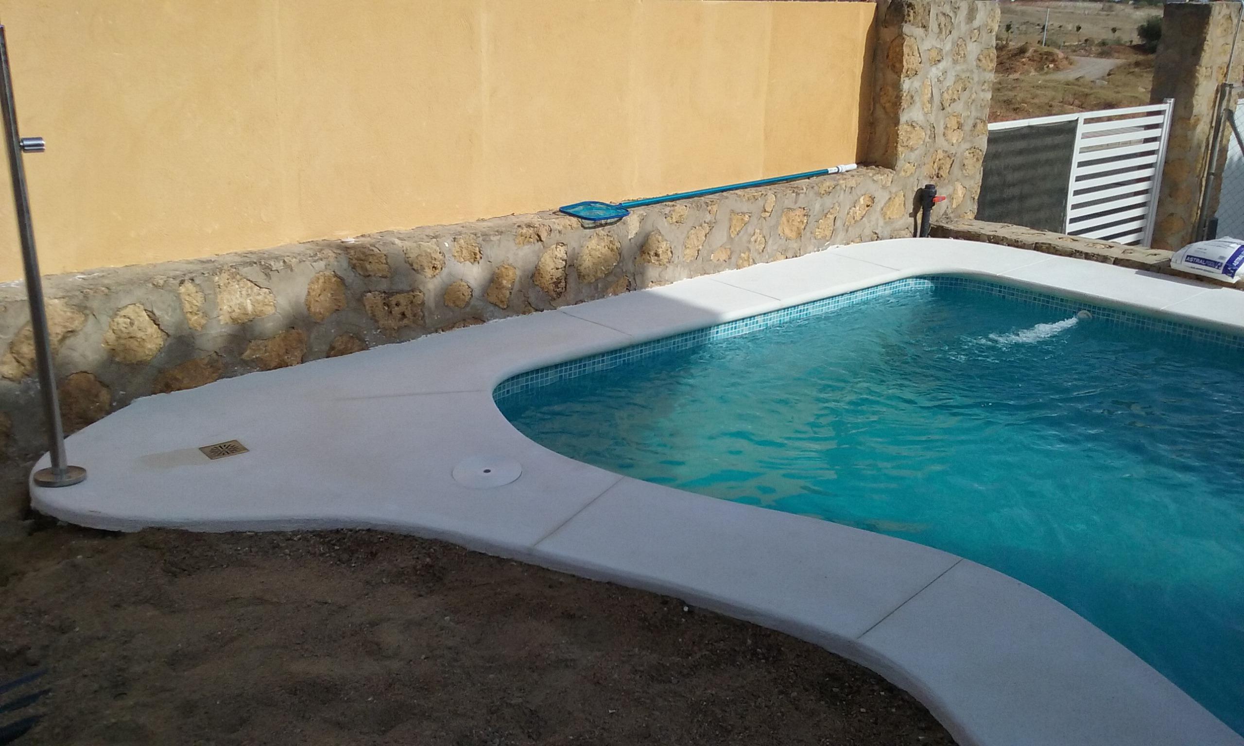 Fotos varias 069 construcci n de piscinas - Barrefondos para piscinas ...