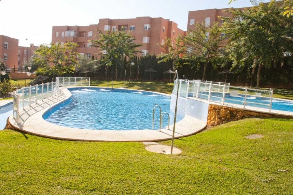 Piscinas p blicas construcci n de piscinas - Barrefondos para piscinas ...